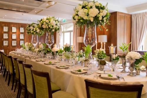 Dream wedding destination Belmond Le Manoir Aux Quat'Saisons, Oxfordshire, England
