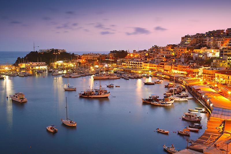 希腊雅典Mikrolimano码头夜景