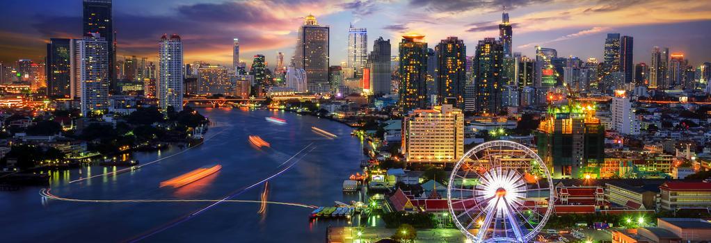 Moments in Bangkok Hostel