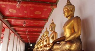 Bangkok by Night: Temples, Markets and Food by Tuk-Tuk