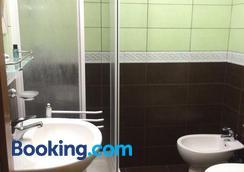 Appartamenti Romatour - Rome - Bathroom