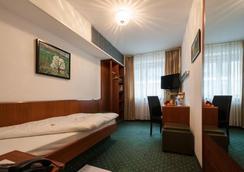 Hotel Unger - Stuttgart - Bedroom