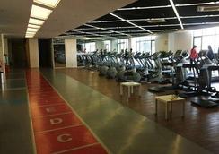 Shanghai Manhattan Hotel Minhang - Shanghai - Gym