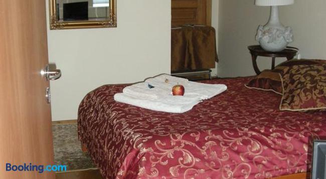 Guest Room in Old Town - Vilnius - Bedroom