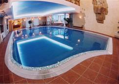 Tsunami Spa Hotel - Dnepropetrovsk - Pool