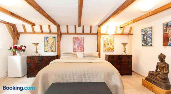 Bed & Breakfast of Art - Amsterdam - Bedroom