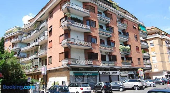 Residenza Flaminia - Rome - Building