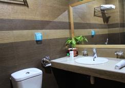 Transit Beach View Hotel - Hulhumale - Bathroom