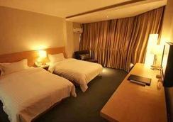 Super 8 Hotel Lanzhou Yong Chang Lu - Lanzhou - Bedroom