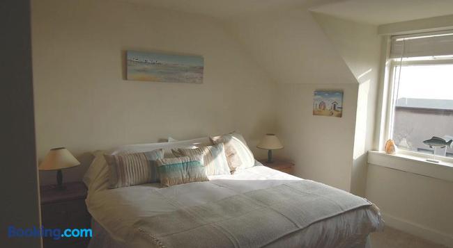 Seascape - Leven - Bedroom