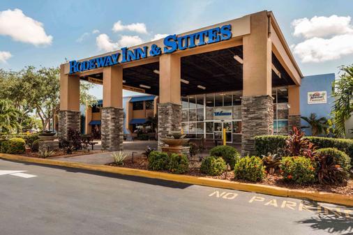 Rodeway Inn & Suites Fort Lauderdale Airport & Cruise Port - Fort Lauderdale - Building