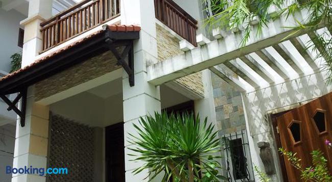 Maison Vu Tri Vien - Hue - Building