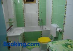 Guest House Vila Bak - Budva - Bathroom