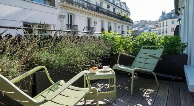 Hotel Max - Paris - Building