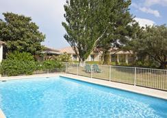 Best Western Hotel Paradou - Avignon - Pool