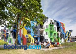 Bed And Breakfast Zuid Oost Heesterveld / Bnb Zoh - Amsterdam - Building