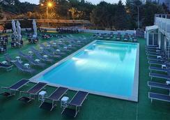North Star Continental Resort - Timisoara - Pool