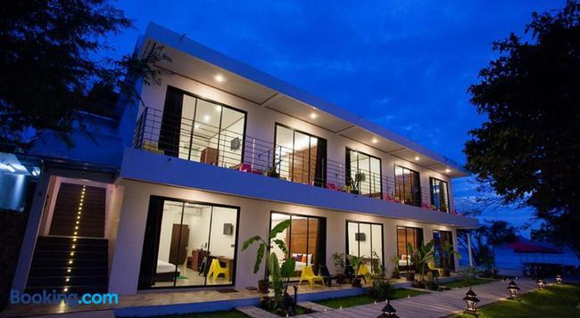 Paradise Resort Phi Phi - Ko Phi Phi - Building