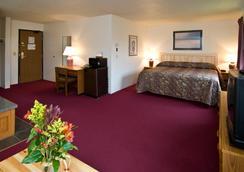 Americas Best Value Inn & Suites - International Falls - Bedroom