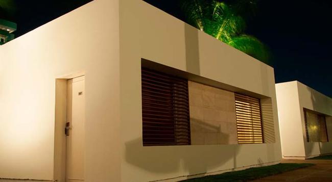 Kristoff - Maracaibo - Building