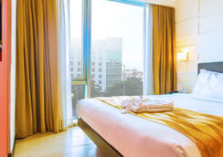 Remington Hotel - Pasay - Bedroom