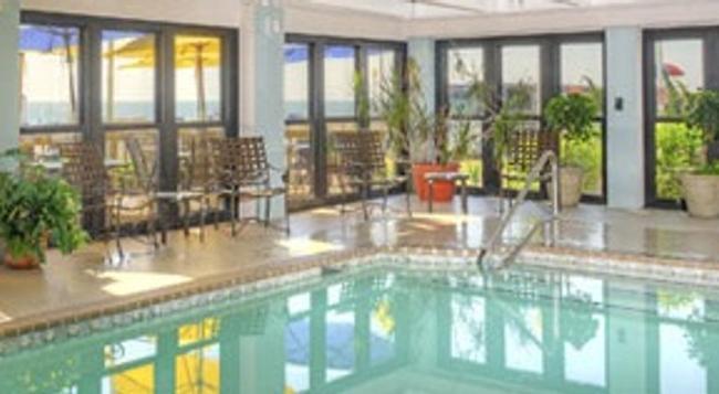 Capes Hotel - Virginia Beach - Pool