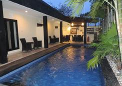 Legian Guest House - Denpasar (Bali) - Pool