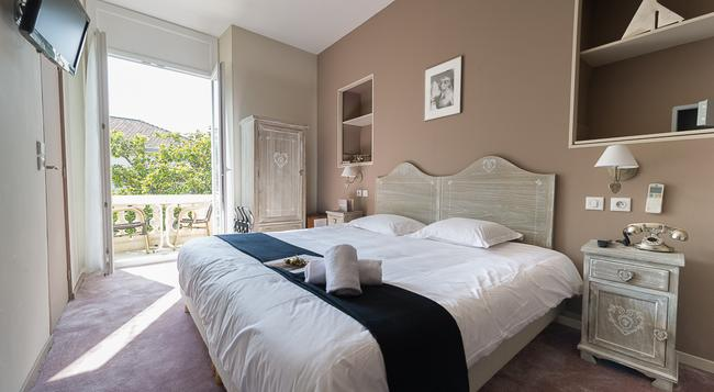Hotel Oxford - Cannes - Bedroom
