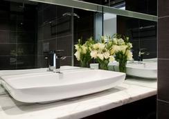 Rydges on Swanston - Melbourne - Melbourne - Bathroom