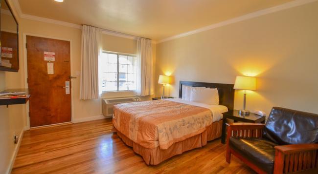 Bay Front Inn Santa Cruz - Santa Cruz - Bedroom