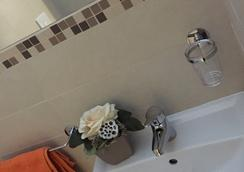 Hotel Ridens - Rimini - Bathroom