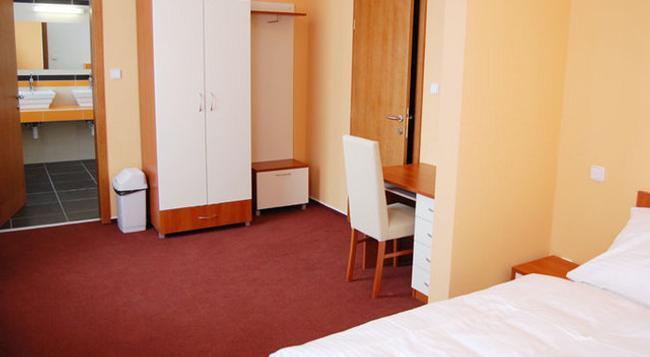 Hotel 21 - Bratislava - Bedroom