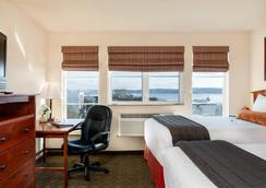Mediterranean Inn - Seattle - Bedroom