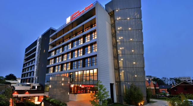 Hilton Garden Inn Milan North - Milan - Building