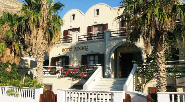 Adonis Hotel - Kamari (Santorini) - Building