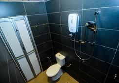 Couzi Couji - George Town - Bathroom