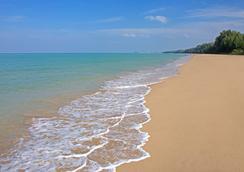 Manathai Khao Lak - Takua Pa - Beach