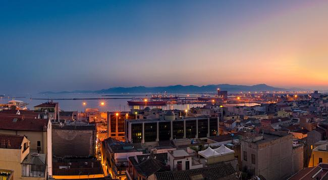 Regina Margherita Hotel - Cagliari - Building