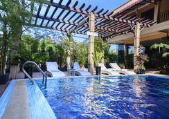 Grand Sihanouk Ville Hotel - Sihanoukville - Pool