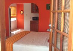 Bamboleo Inn Belize - Belize City - Bedroom