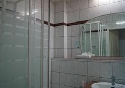 Entrée Hotel Karlshorst - Berlin - Bathroom