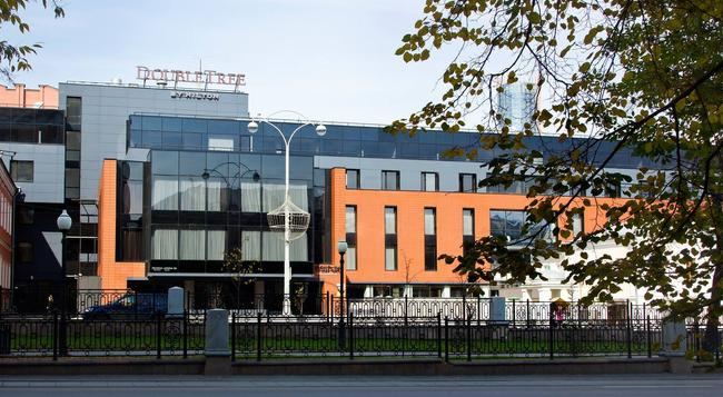 DoubleTree by Hilton Hotel Ekaterinburg City Centre - Ekaterinburg - Building
