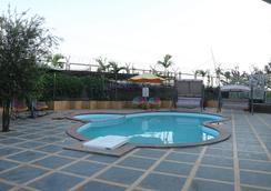 Anando Palms Resort - Nasik - Pool