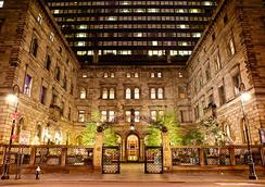 Lotte New York Palace - New York - Building