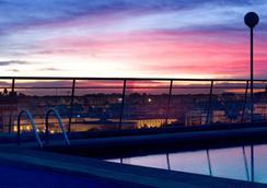 Expo Hotel Valencia - Valencia - Pool