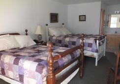 Scarborough Inn - Manteo - Bedroom