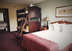 American Eagle Inn & Suites - Branson - Bedroom