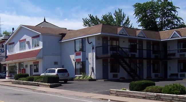 Crystal Inn - Niagara Falls - Building