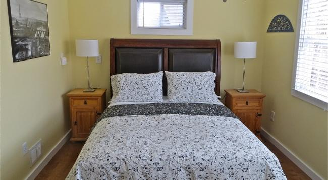 Atlantic Light Inn - Provincetown - Bedroom