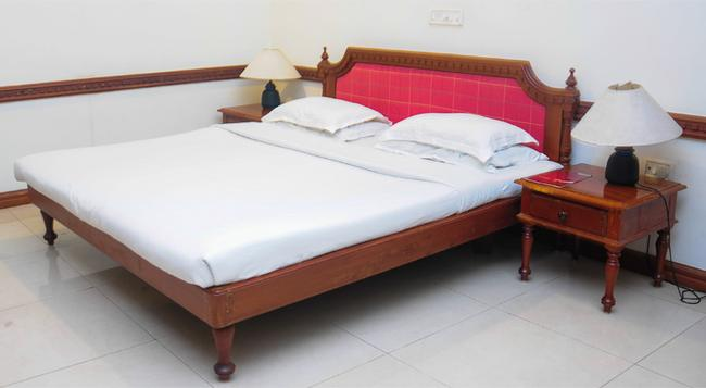 ATS Willingdon Hotel - Kochi - Bedroom